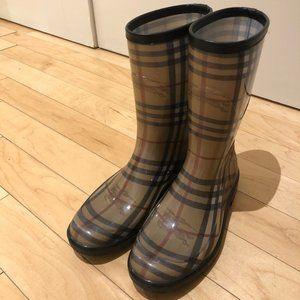 Rain boots, Burberry boots